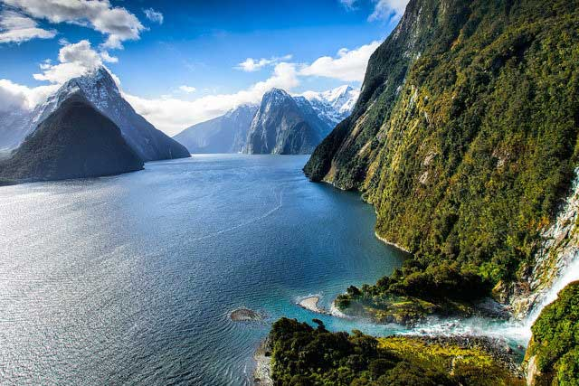 New Zealand top solo travel destinations view