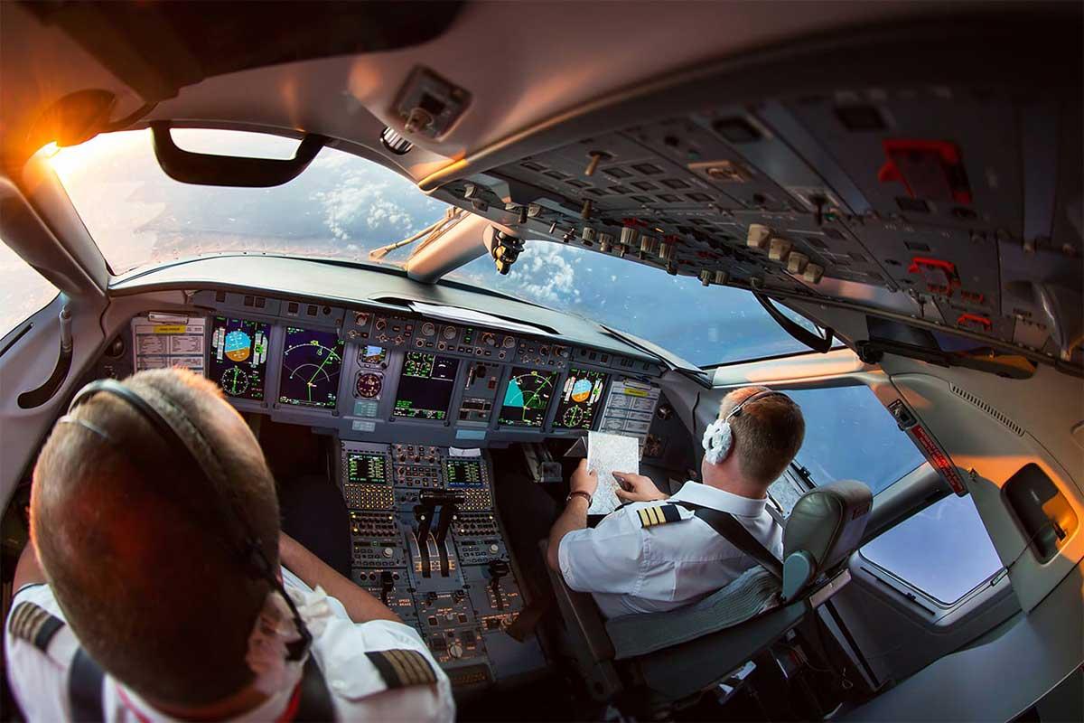Airline Pilot Job Image