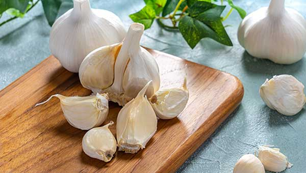 Garlic food to prevent blood clots